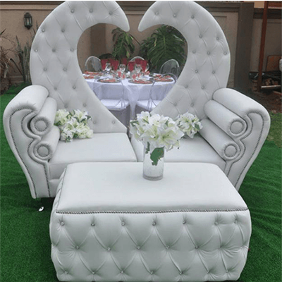 love chairs and table for sale